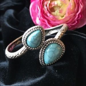 Jewelry - Silver and turquoise cuff